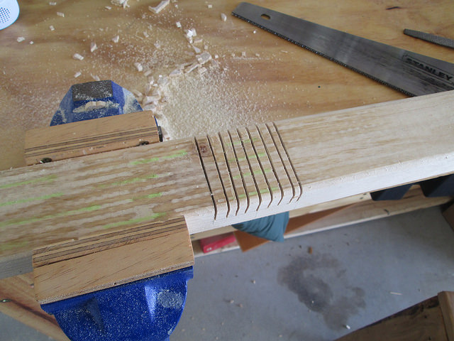 Making a lap joint with a handsaw and chisel
